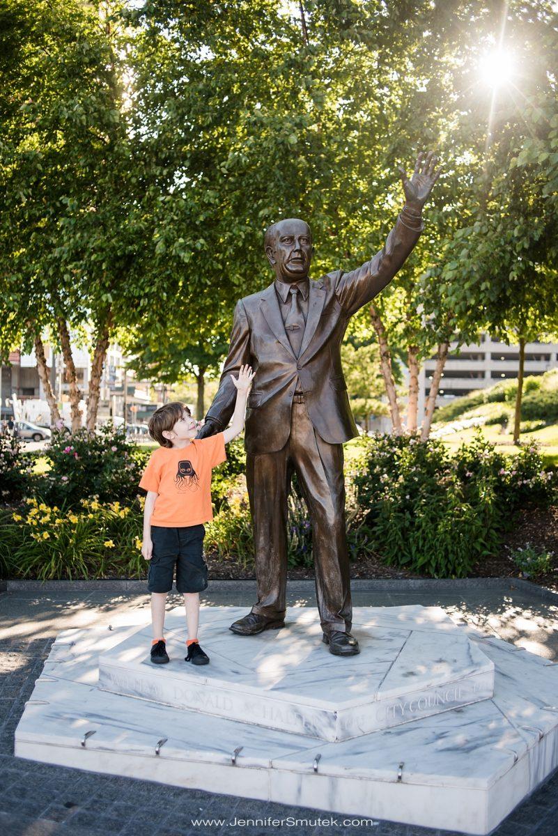 baltimore statue