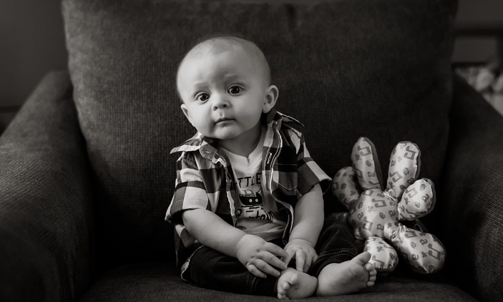 Nicholas Can Sit | Spring Maryland Family Session