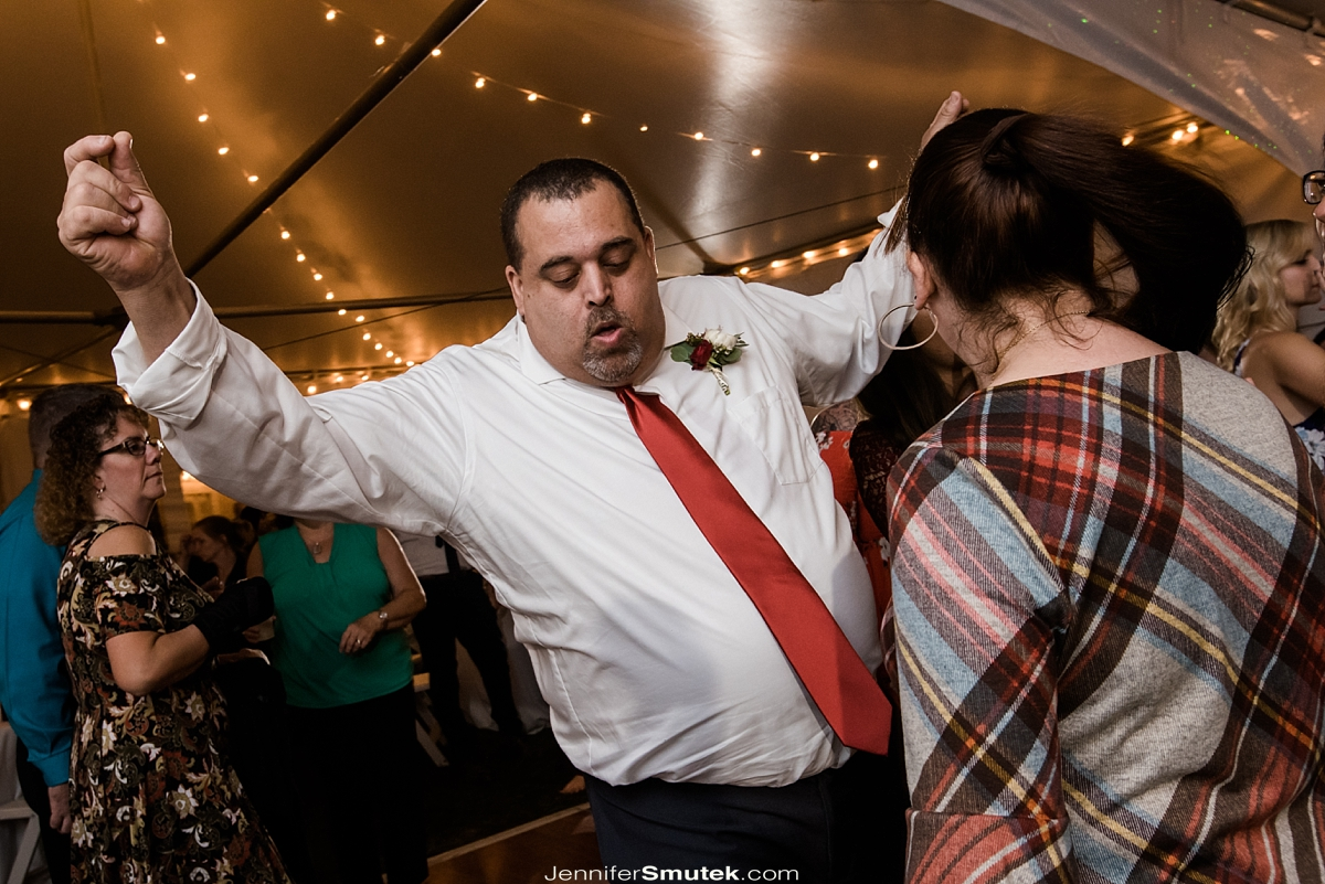 people dancing at wedding reception in maryland